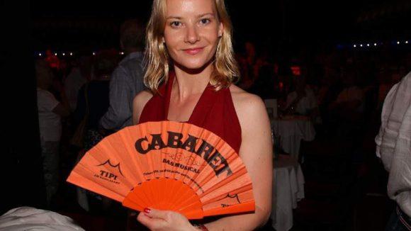 """Schauspielerin Teresa Weißbach (""""Die goldene Gans"""") im Cabaret-Fieber."""