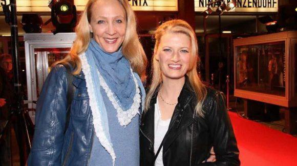"""... noch ein paar Schauspielerinnen: Anja Karmanski (""""Am Himmel der Tag"""", l.) und Katja Wagner (""""August in Berlin"""")."""