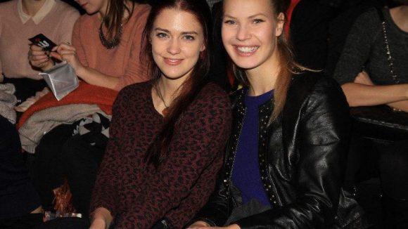 Genauso wie Schauspielerin Laura Berlin und Kollegin Margarita Ruhl (rechts).