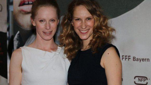 Sowie die Schauspielerinnen Susanne Wuest (l.) und Chiara Schoras.