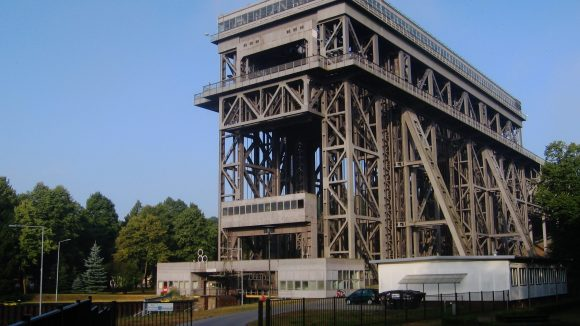 Beeindruckend groß: das Schiffshebewerk in Niederfinow.