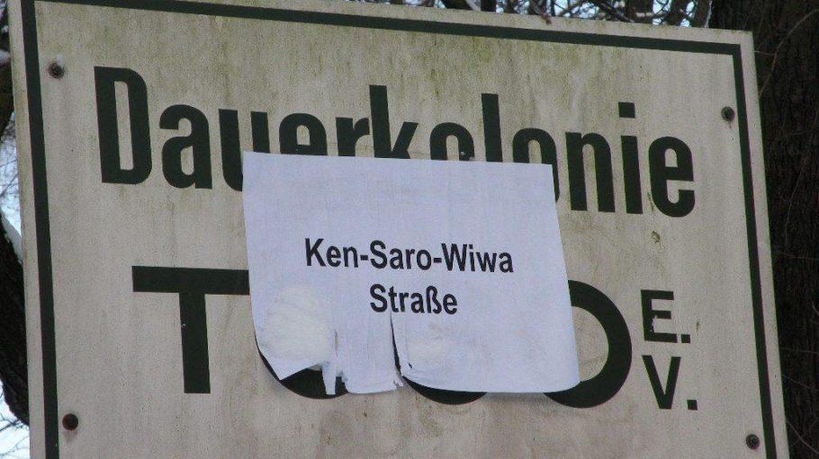 Der Name der Kleingartenkolonie Togo ist nur ein Beispiel für koloniale Ortsbezeichnungen in Berlin - ein alternativer Namensvorschlag wurde angebracht.