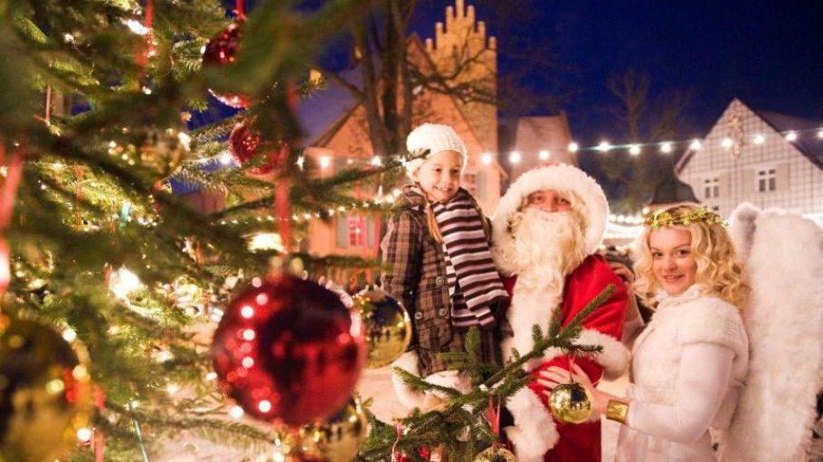 Vor der mittelalterlichen Kulisse des Schloss Liebenbergs können sich Groß und Klein auf Weihnachten einstimmen.