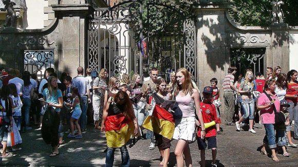 Heute ist es vor dem Schlosshotel im Grunewald meistens ruhiger als im WM-Sommer 2006.