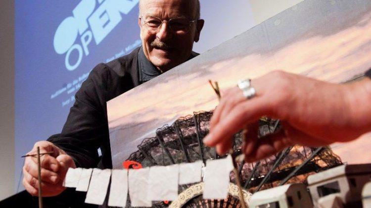 Im Frühjahr präsentierte Volker Schlöndorff ein Modell der Seefestspiel-Bühne. Nun sorgt das geplante Bauwerk für viel Wirbel.