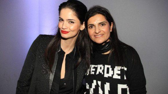Nach der Show gratulierte Model Shermine Shahrivar (l.) der Designerin Leyla Piedayesh gleich nochmal persönlich.