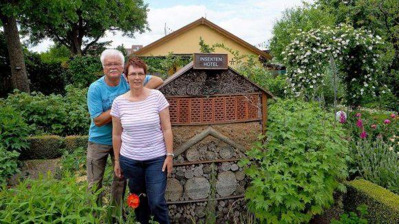 Sie wollen bleiben. Marina Betcke (re.) gehört zum Vorstand der Kolonie Oeynhausen, den Kleingarten nutzen sie und ihr Mann Thomas schon seit 23 Jahren.