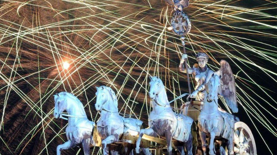 Nach Angaben der Veranstalter feiert Berlin die größte Silvesterparty Europas.