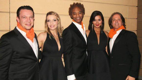 Am 3. März sorgte das Orchester Fink und Steinbach mit der Sängerin Nika (2.v.r.) von Nika & Joe für die musikalische Begleitung.
