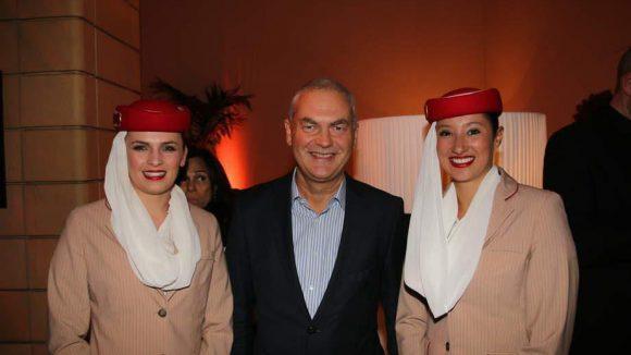Für den guten Zweck spendeten unter anderem Thierry Antinori von der Fluggesellschaft Emirates und ...