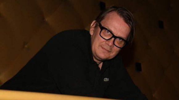 """Sven Regener, Sänger der Berliner Band Element of Crime und Schriftsteller (""""Herr Lehmann""""), kam auch vorbei."""