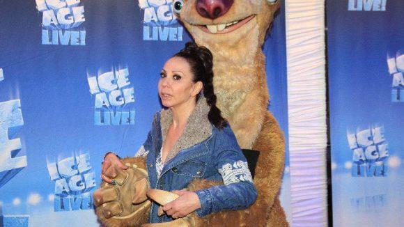 Die Kultsängerin Jennifer Rush war auch da und kuschelte mit Erdhörnchen Sid - wir haben sie fast nicht wiedererkannt.