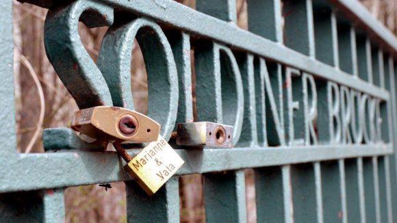 An der Soldiner Brücke beweist man sich seine Liebe.