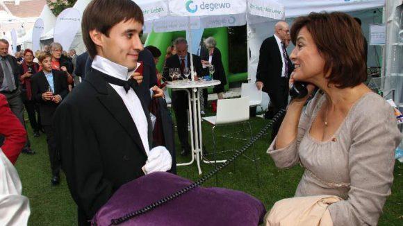 ARD-Moderatorin Sandra Maischberger bekam einen Anruf von der Telefonseelsorge.
