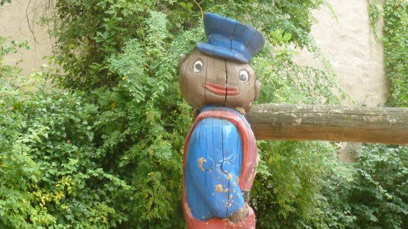 Michael Endes erfundene Charaktere sind in Lummerland als Holzfiguren vorzufinden.