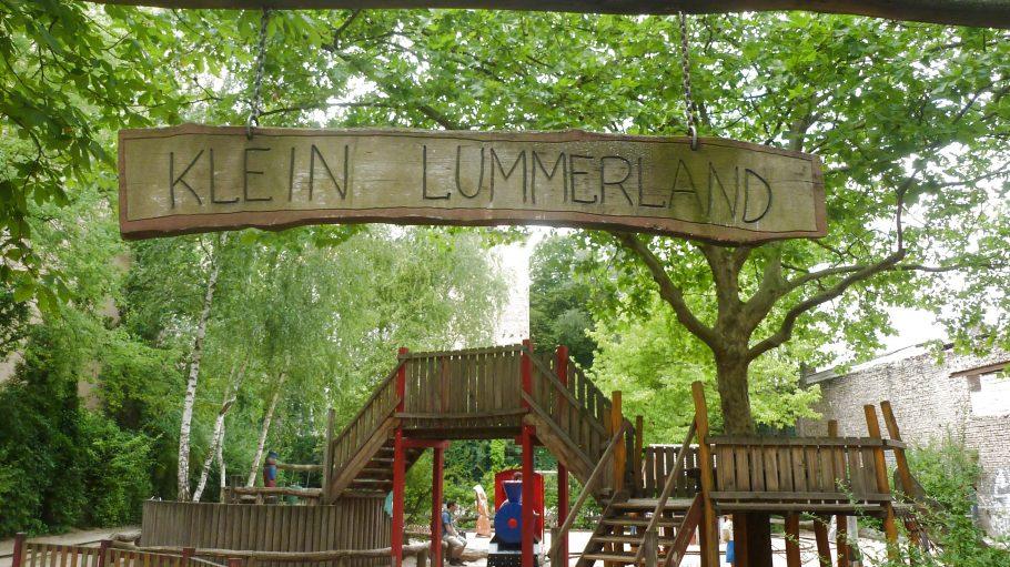 Die Insel Lummerland lädt Abenteurer und Träumer ein in die Wielandstraße 10.