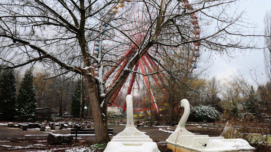 Neuer Dreh an der Spree: In den jetzt noch winterlich verschneiten Spreepark in Berlin-Plänterwald soll schon bald neues Leben einziehen.