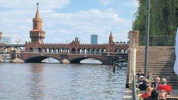 Noch mehr Platz am Wasser: Ein neuer Uferweg soll das Flussufer zwischen Mitte und Kreuzberg zu einem idyllinschen Ausflugziel machen
