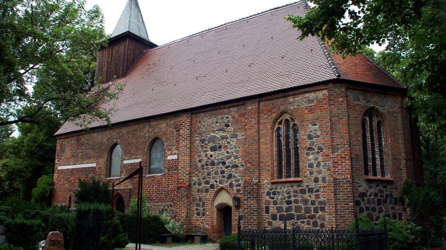 Kirchen sind Zeitzeugen der Geschichte, aber auch der Gegenwart. Die vielen Gottesakcker in Berlin sind einen Besuch wert.