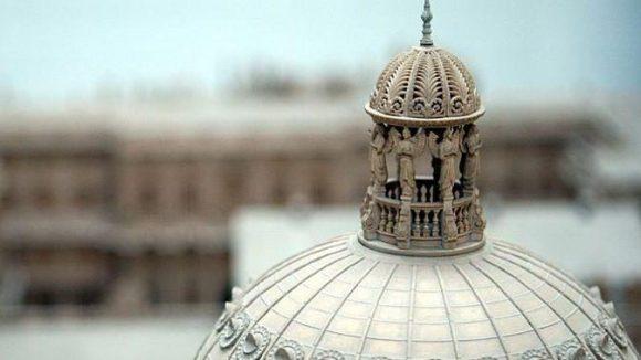 Die Kuppel des Schlosses im Modell.