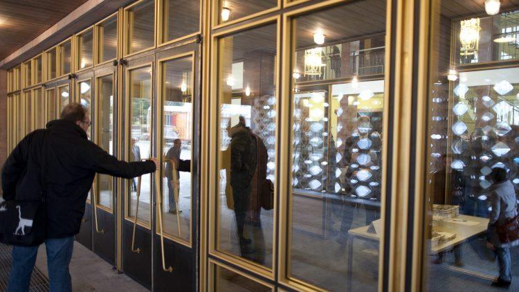 Der Eingang zum ehemaligen Standort des Ministeriums für Staatssicherheit. Mielkes Sekretariat wurde nach seinen eigenen Wünschen eingerichtet.
