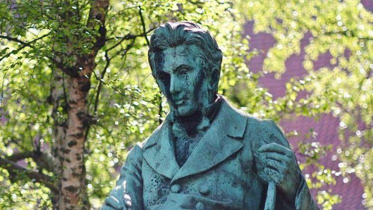 Der Philosoph Kierkegaard hätte in diesem Jahr seinen 200. Geburtstag gefeiert. Eine Ausstellung im Haus am Waldsee setzt sich mit einer seiner berühmtesten Schriften auseinander.