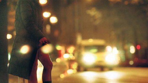 Auch bei den Anwohnern im Fokus: Die Frauen auf der Straße. Statt der Männer im Hintergrund.