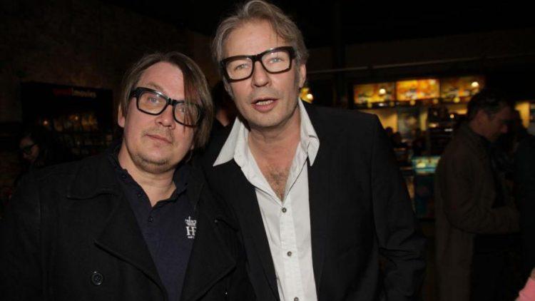 Sven Regener und Leander Haußmann sind die Macher des Films und haben bei Regie, Drehbuch, Musik und Produktion eng zusammengearbeitet.