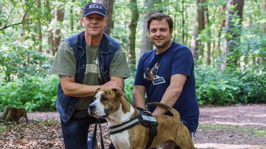 Der neue D.O.G.S.-Coach Sven Sandau (links) neben Martin Rütter, dem wohl bekanntesten Hundetrainer der Republik.