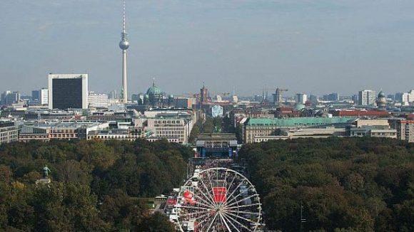 In diesem jahr organisiert Coca Cola das große Volksfest zum Tag der Deutschen Einheit am Brandenburger Tor.