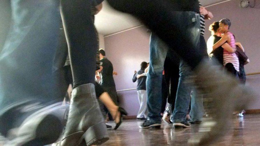Immer mehr Berliner werden vom Tangofieber erfasst.