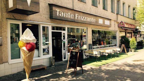 Ein Getränkemarkt goes hip: Tante Frizzante setzt auf lokale Brauer und Brenner - und leckeres Eis.