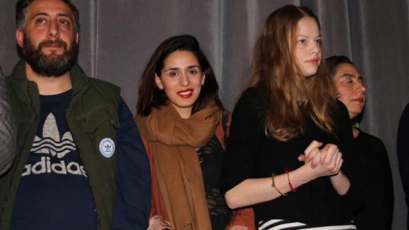 Nasrin Reza (Mitte) spielt die Gerichtsmedizinerin im neuen Berlin-Tatort.