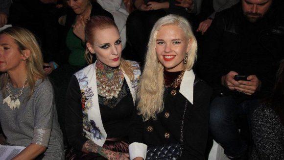 Auch Tattoo-Model Lexy Hell und Fashion Week-Dauergast Bonnie Strange schauten vorbei.