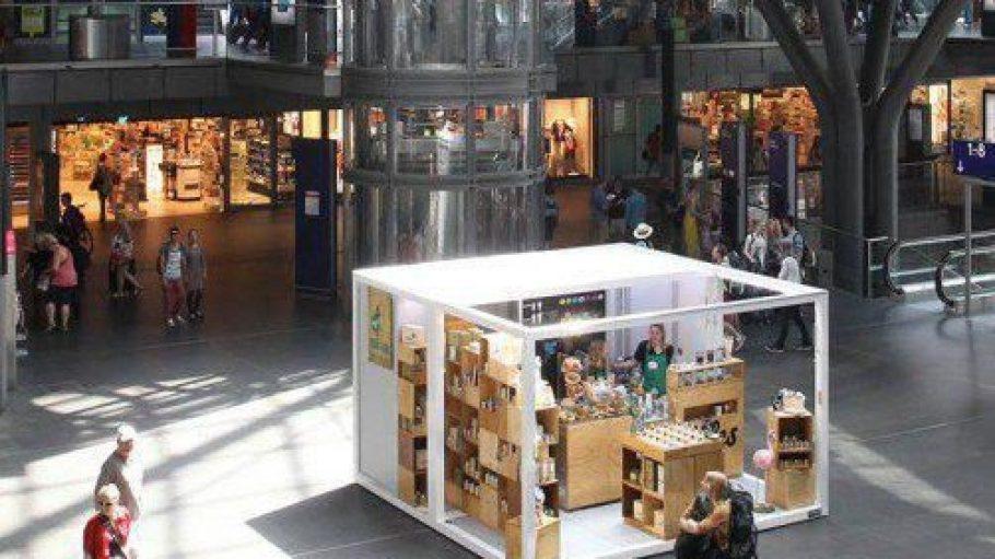 So sehen Sieger aus: Der Next-Station-Gewinner bekommt seinen Pop-up-Store mitten im Berliner Hauptbahnhof.