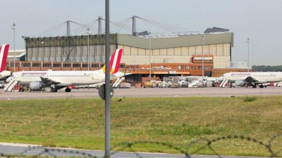 Auf dem Areal des Flughafens Tegel soll das Olympische Dorf entstehen.