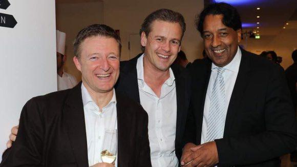 """Drei lachende Männer beschließen unsere Bilderstrecke: Martin Hubert (l.) ist CEO bei Nugg.ad, Spezialist für digitale Werbung, Philip Zwez (M.) """"Vice President Business Development"""" bei Universal Music und Cherno Jobatey, bekannt aus dem Morgenmagazin, ist inzwischen für die deutsche """"Huffington Post"""" als Herausgeber tätig."""