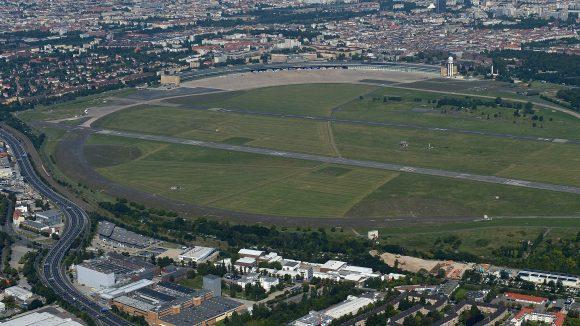 Namensgebend für Tempelhof war der Templerorden, der hier eine Komturei unterhielt. Selbst der Flugplatz wurde danach benannt.