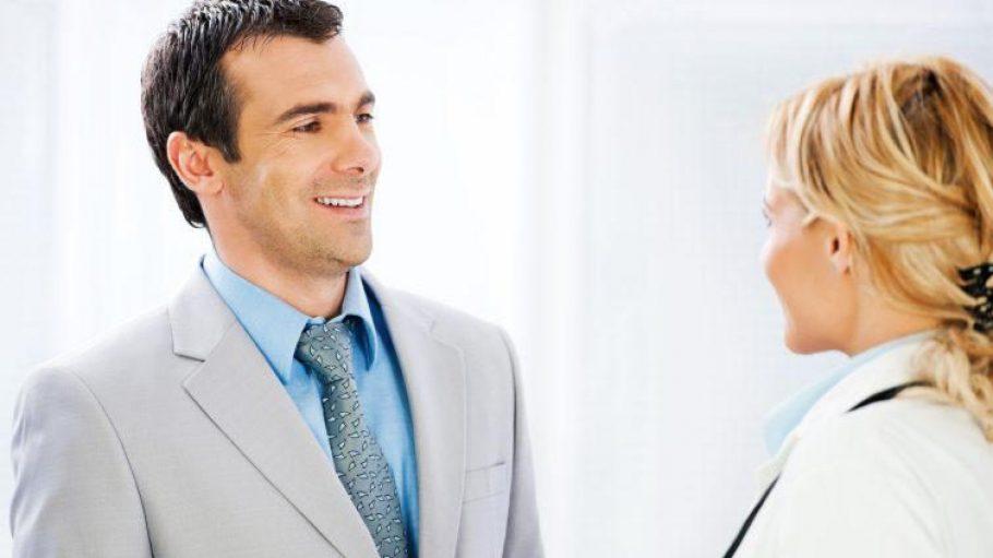 Wer seinen Arzttermin nicht wahrnehmen kann und zu spät absagt, muss unter Umständen zahlen.