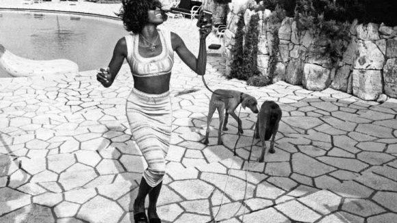 Naomi Campbell gehörte auch zu den Auserwählten, die sich an Jean Pigozzis Pool amüsieren durften.