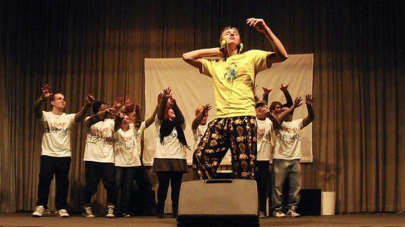 Obdachlose Jugendliche bei der Aufführung eines Theaterstücks in der Kontakt- und Beratungsstelle in Charlottenburg.