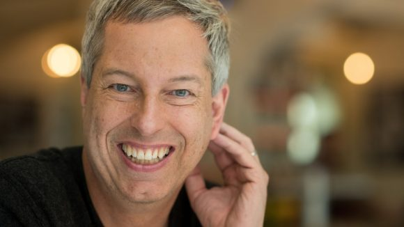 Der Comedian und Moderator Thomas Hermanns startet jetzt ein eigenes Crowdfunding-Projekt.