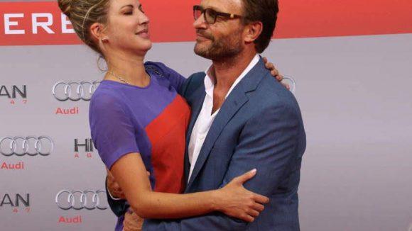 Ende der Gerüchteküche: Die Hitman-Premiere in Berlin nutztenSchauspieler Thomas Kretschmann(52) und Brittany Rice(34), um deutlich zu machen: Ja, wir sind noch immer ein Paar.