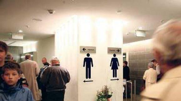 Lassen Sie mich durch, ich muss mal.Der Hauptbahnhof hat nur eine einzige Toilettenanlage.