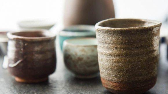 Formschöne Sake-Accessoires gibt es auch bei Tokuri.