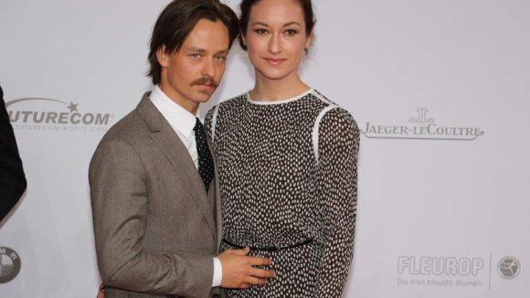 Tom Schilling brachte seine Freundin Regie-Assistentin Annie Mosebach mit.