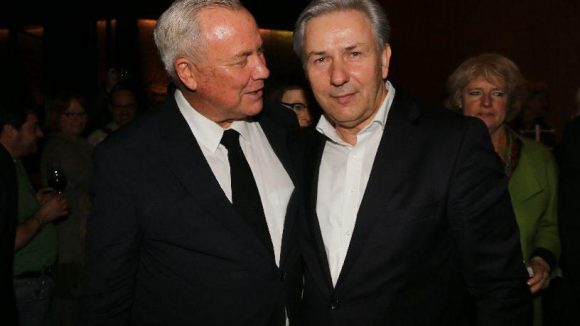 Und noch ein Männerduo: Unser Bürgermeister Klaus Wowereit (rechts) mit Robert Wilson, dem Regisseur der Ur-Fassung von 1976. Im Hintergrund erkennen wir bereits ...