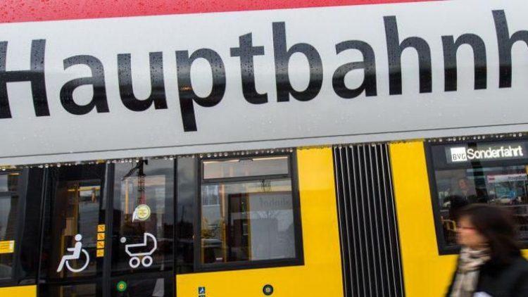 Die Straßenbahnanbindung zum Hauptbahnhof hat inklusive aller Straßen- und Elektro-Arbeiten 70,5 Millionen Euro gekostet. Jetzt ist sie endlich fertig.
