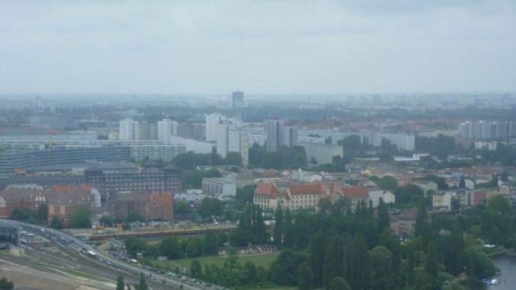 Blick aus dem Allianz-Büro im Treptower: Die Tour des Guggenheim Lab eröffnete eine andere Perspektive auf die Stadt - weg von der Zentrierung auf Mitte.