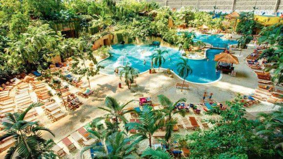In den Tropical Islands kannst du dich maximal entspannen, ordentlich Spaß haben und gutes Essen gibt es auch noch.